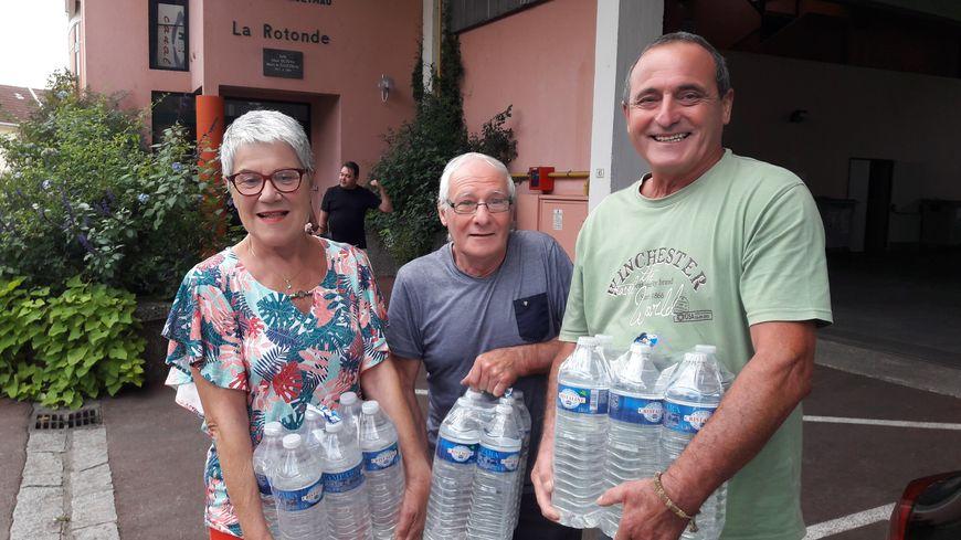 Des bouteilles d'eau seront encore distribuées à Hagetmau ce dimanche entre 9h et 12h30
