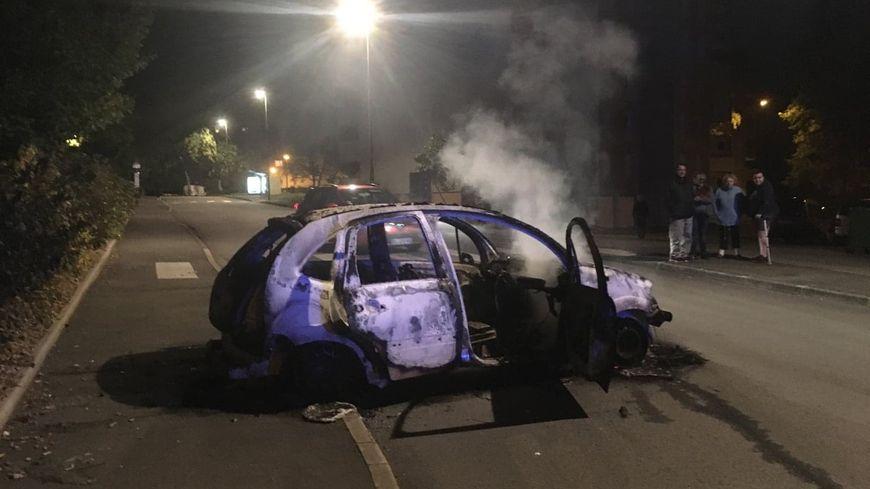 Des voitures ont été incendiées dans le quartier de Penhars, à Quimper.