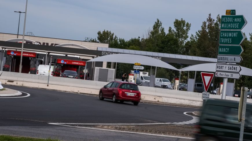 L'accident s'est produit entre 22h30 et 23h00 sur le contournement de Vesoul, entre le rond-point de la Vaugine et le rond-point du Lac.