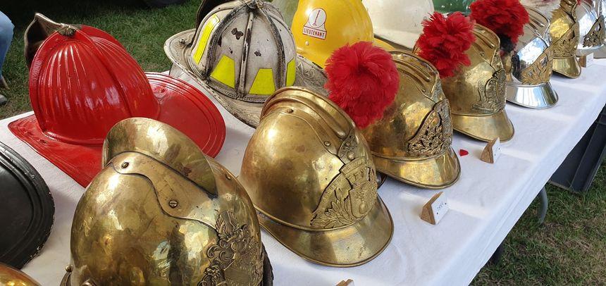 Expositions de casques de pompiers