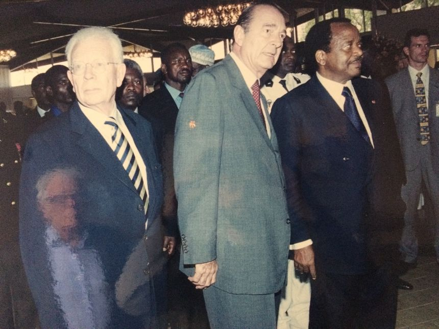 Le Breton Charles Josselin, ministre à l'époque de la cohabitation, en voyage officiel avec Jacques Chirac