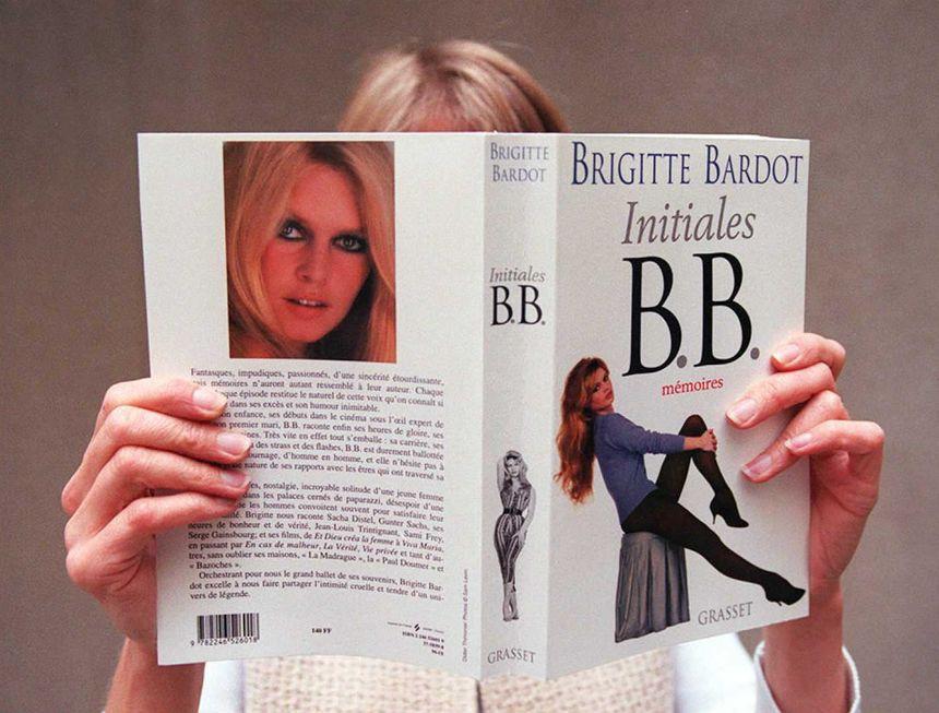 """Couverture de l'autobiographie de Brigitte Bardot, """"Initiales B.B. : Mémoires"""""""