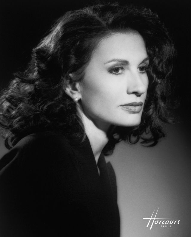Portrait de l'actrice Ludmila Mikaël
