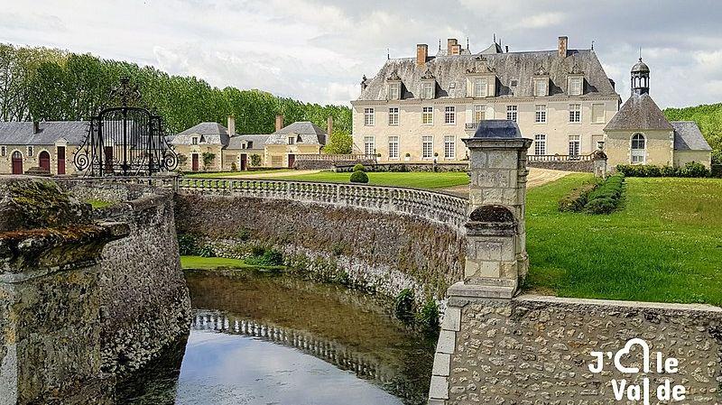 Le château de Champchevrier - Cléré-les-Pins