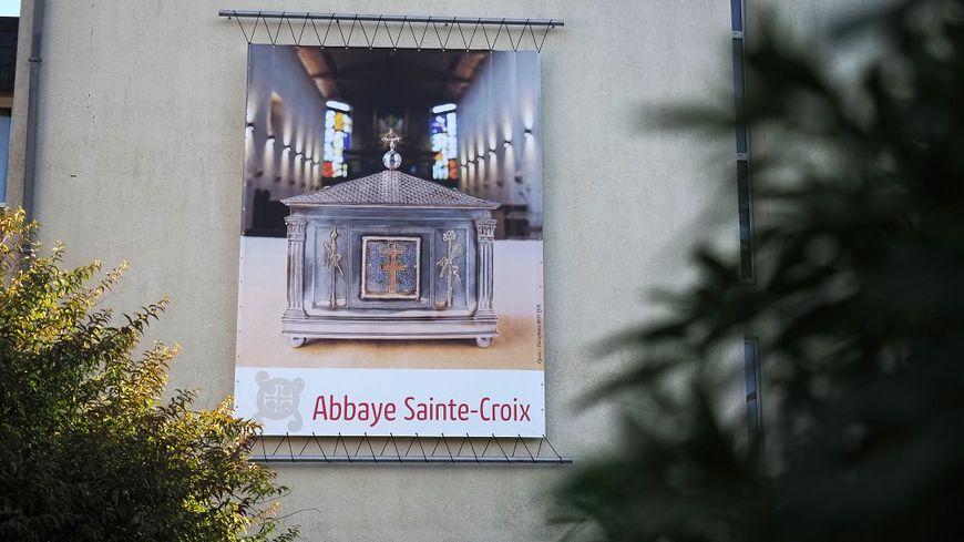 L'abbaye Sainte-Croix à Saint-Benoît, près de Poitiers, où était pratiqué l'essai.