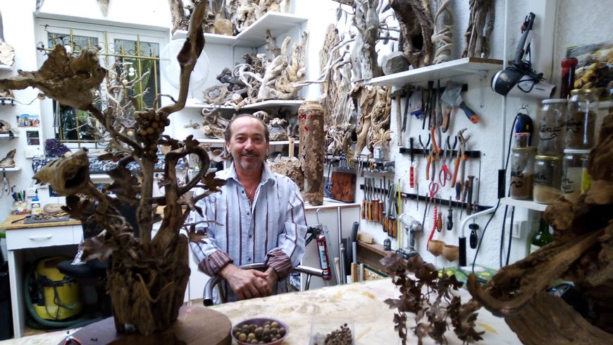 Pascal Double dans son atelier du Faune à Orange.