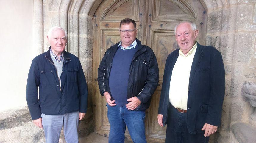 De gauche à Droite Albert Tisin, Michel Lecrosnier maire adjoint et Jean Langevin