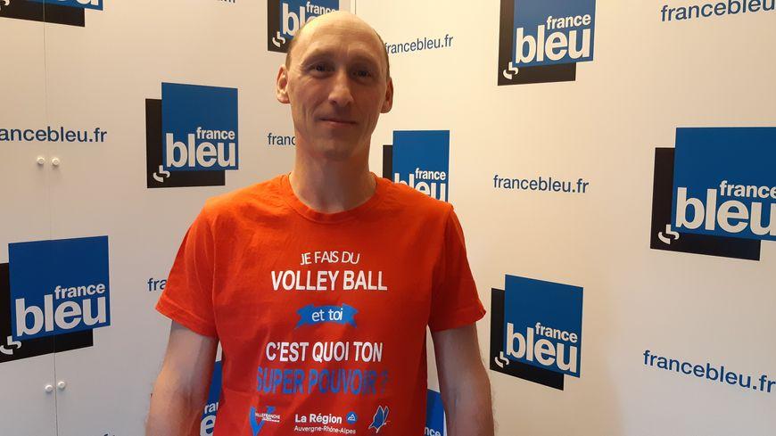 """Le Bisontin Cédric Ambs, président de la commission sportive à la Ligue de Volley-Ball de Bourgogne Franche-Comté, était l'invité de """"100% club"""" sur France Bleu Besançon, le 23 septembre 2019"""