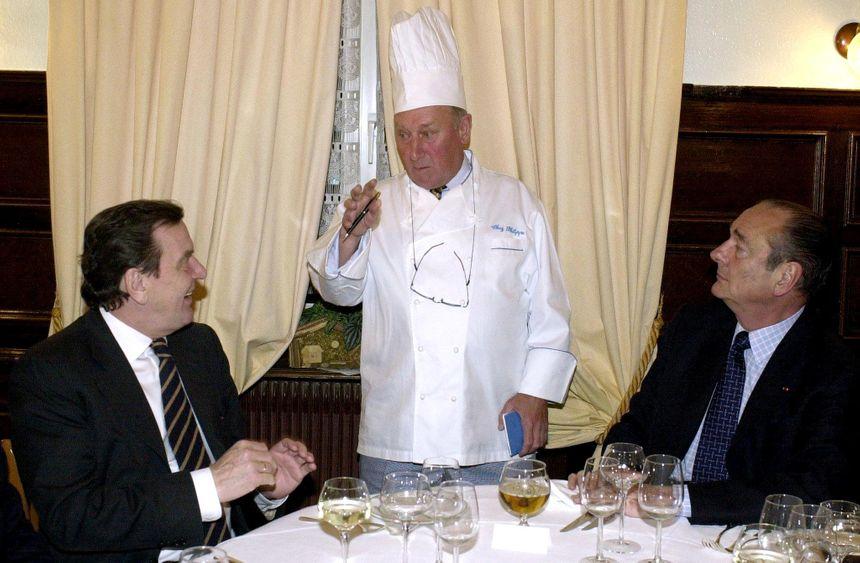 En Janvier 2001 avec Gerhard Schroeder au restaurant « Chez Philippe » à Blaesheim