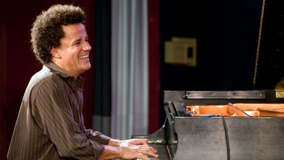 Le pianiste Jacky Terrasson et son trio à l'Iridium jazz club de New York, en juin 2009