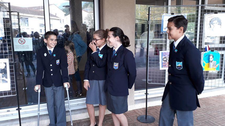 Solène, Mathis et Ambroise sont ravis d'accueillir leurs nouveaux camarades