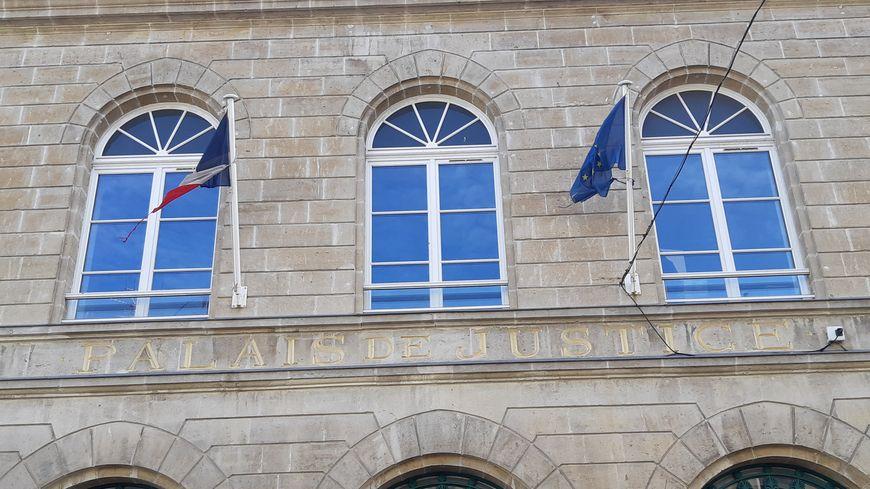 Deux frères de 53 et 63 ans étaient jugés à Cherbourg pour avoir exploité une femme aujourd'hui âgée de 70 ans.