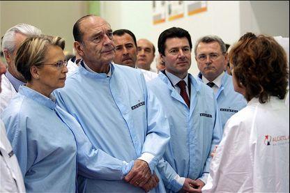 Jacques Chirac en visite dans l'usine Alcatel en 2006
