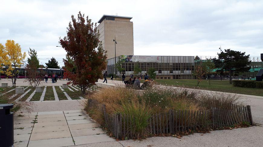 Les journées d'intégration ont lieu en septembre à l'université de Bourgogne, ici sur le campus dijonnais.