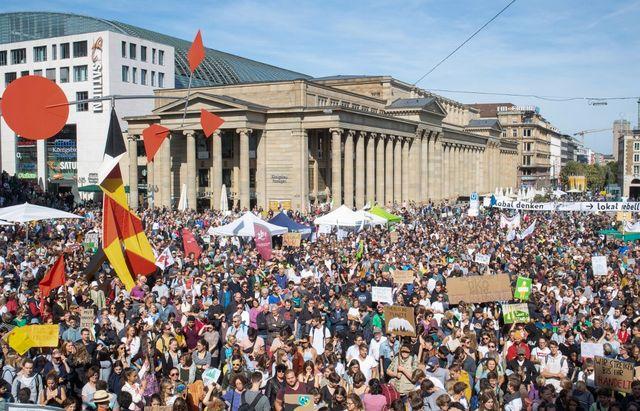 Démonstration de force également à Stuttgart.
