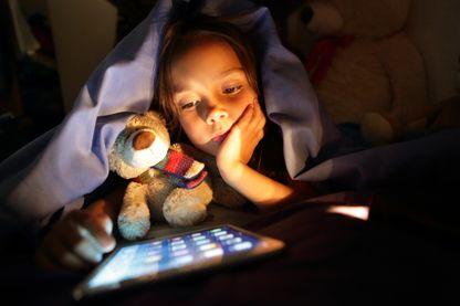 Les conséquences des écrans sur les cerveaux des enfants