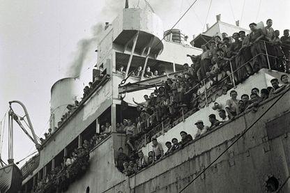 Le paquebot Mataora transportant des enfants juifs survivants du camp de Buchewald en Palestine en 1945