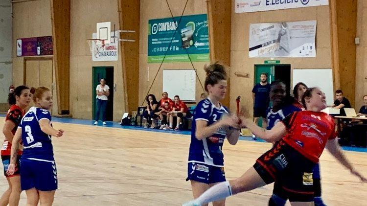 Malgré une mauvaise entame de match les hanballeuses de l'ASPTT Châteauroux sont revenues au score mais elles ont fini par s'incliner d'un point !