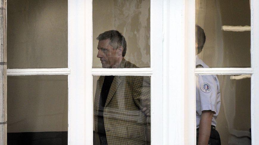 Ulrich Muenstermann au palais de justice d'Auxerre pour son procès devant les assises de l'Yonne en Octobre 2011 pour le meurtre de Sylvie Baton en 1989