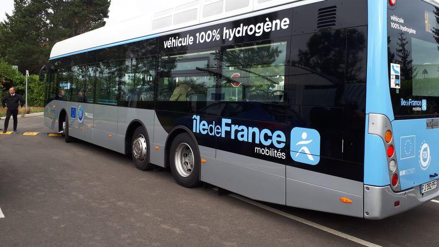 Les premiers bus à hydrogène circulent dans les Yvelines pour une expérimentation qui va durer plusieurs années.