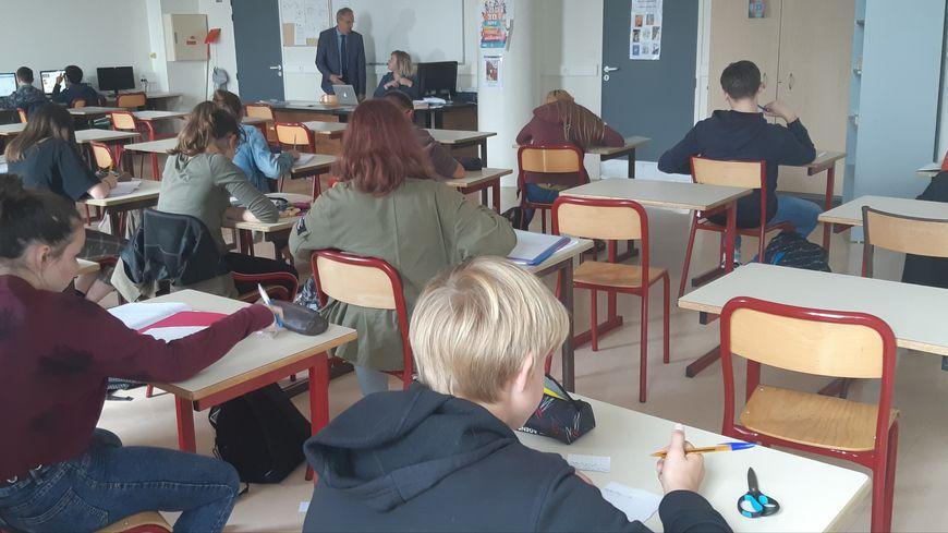 Depuis la rentrée, les élèves du collège Jacques Prévert de Coutances sont évalués via un code couleur.
