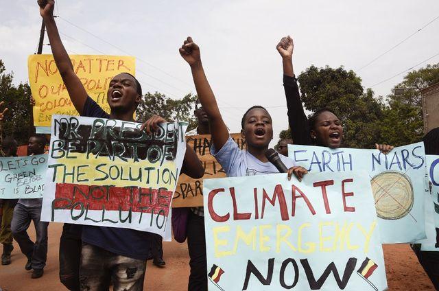 Des manifestants pour le climat en Ouganda.