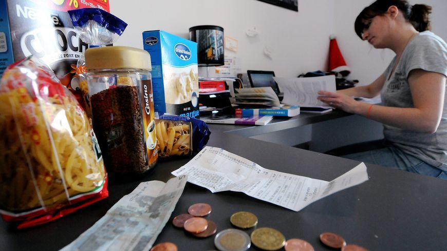 Le taux de pauvreté des salariés augmente de 0,7 points d'après la dernière étude de l'Insee.