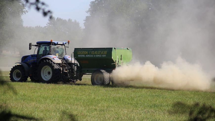 """Les agriculteurs préfèrent le terme de """"produits phytopharmaceutiques"""" plutôt que celui de pesticides."""