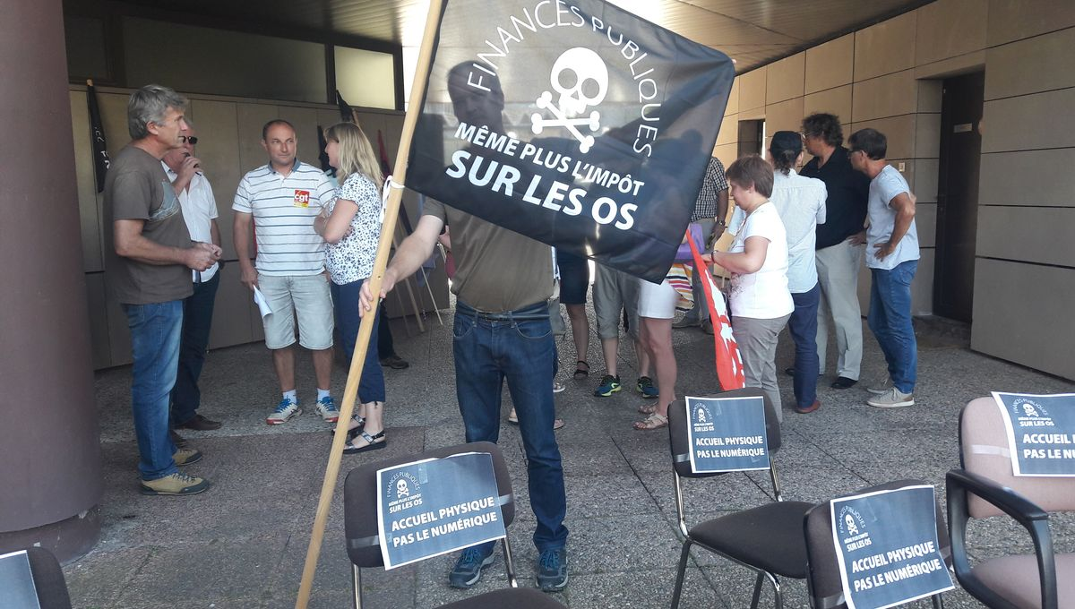 Les agents des finances publiques vosgiens manifestent leur inquiétude face aux suppressions de postes