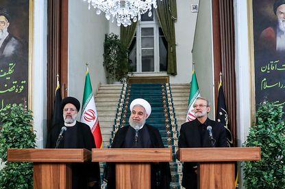 Le Président iranien Hassan Rohani (au centre) lors de l'annonce de la levée de toutes les restrictions à l'enrichissement de l'uranium, mercredi 4 septembre à Téhéran.