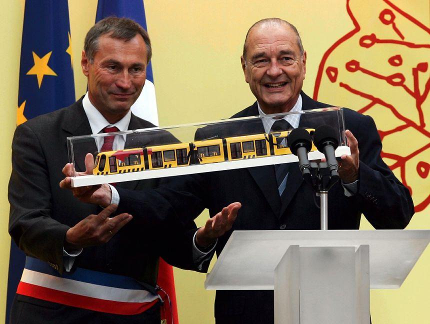 En mai 2006, il inaugure en compagnie de Jean-Marie Bockel, maire à l'époque, le tramway de Mulhouse