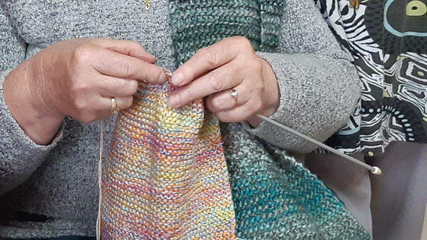 Il faut réaliser 5830 écharpes de 1,20 mètres pour obtenir 7 km de tricot!