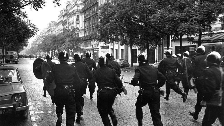 Charge à Paris en mai 1968