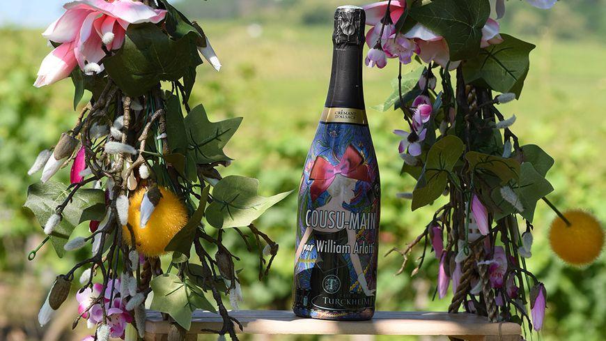La bouteille haute couture de crémant d'Alsace de la cave de Turckheim