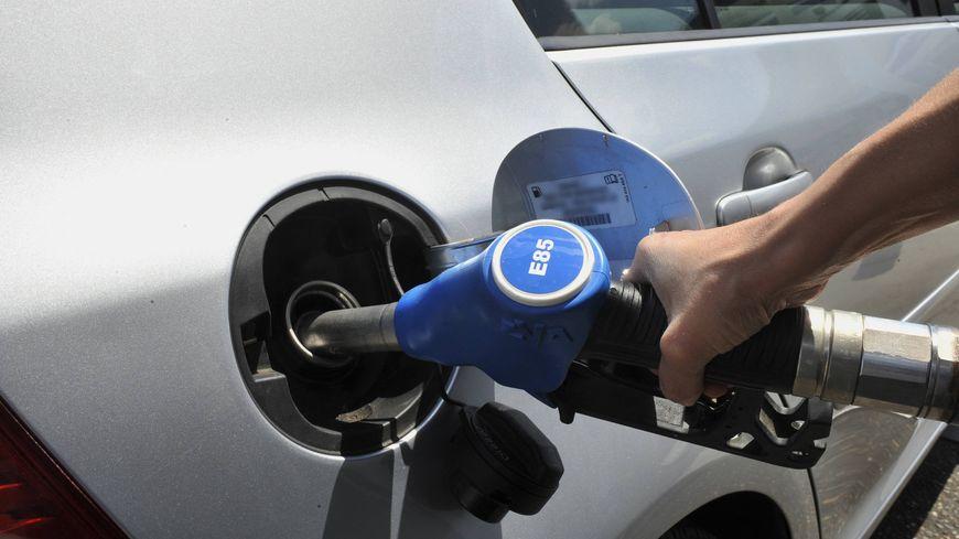 Si vous achetez un véhicule propre dans la région, votre carte grise sera gratuite.