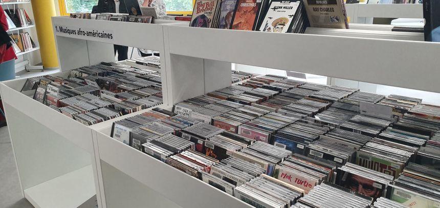 Il y a plus d'espace pour les CD et les DVD