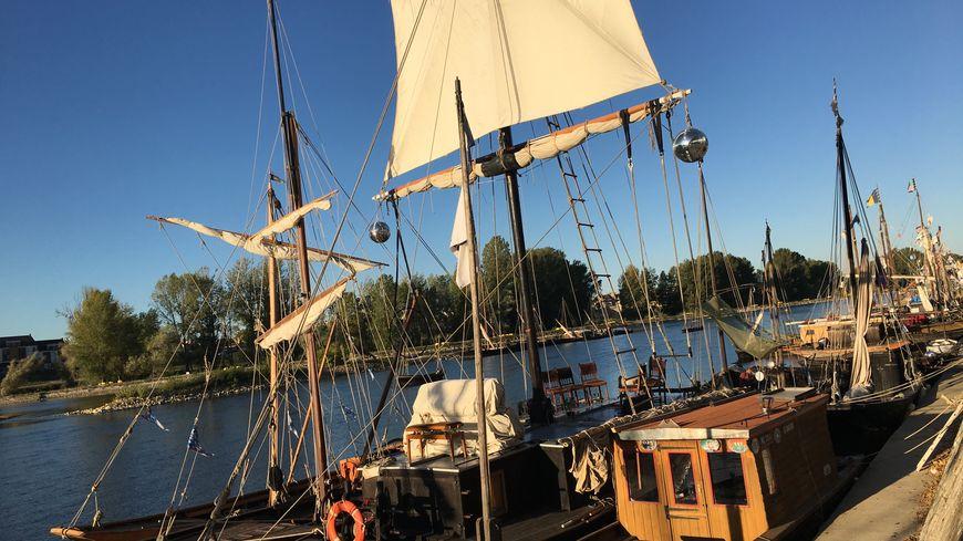 La Loire et le canal d'Orléans sont peu navigables : cela reste le talon d'Achille du Festival de Loire.