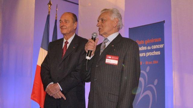 Henri Pujol aux cotés de Jacques Chirac pour le lancement du plan cancer en 2003