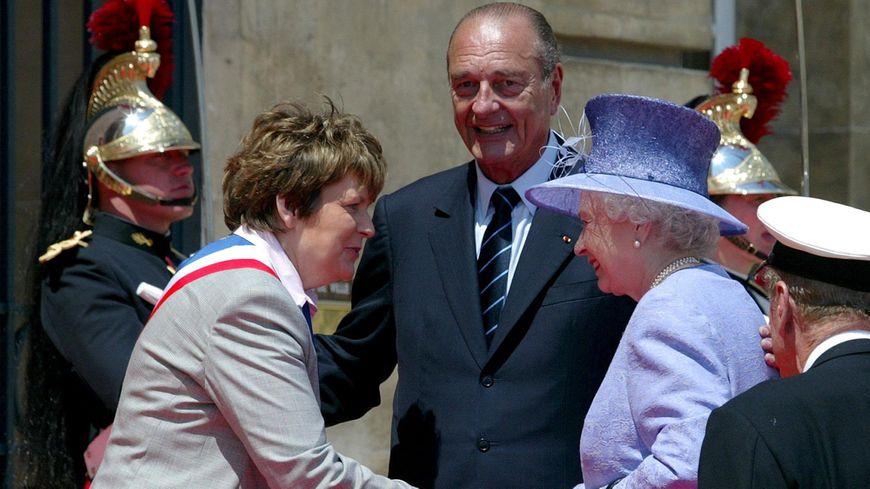 Jacques Chirac accueille monarques et chefs d'Etats à l'hotel de ville de Caen le 6 juin 2004 à l'occasion du 60ème anniversaire du Débarquement