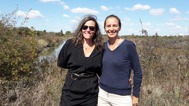 """Ici Christine Dupuy professeur à l'université de La Rochelle et Hélène Rouquette directrice """"Nature et paysages"""" à la ville de La Rochelle."""