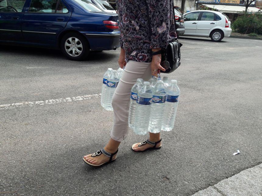 La Ville d'Hagetmau a prévu 16.000 bouteilles d'eau
