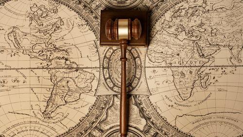 L'après 1989 : Une victoire à la Pyrrhus du droit ? (4/5) : Une règle de droit remplacée par des normes insaisissables ?