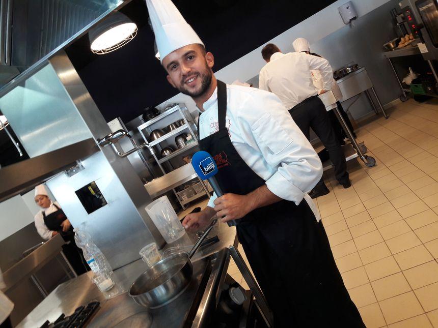 Sofian, l'un des élèves de Cuisine Mode d'Emploi