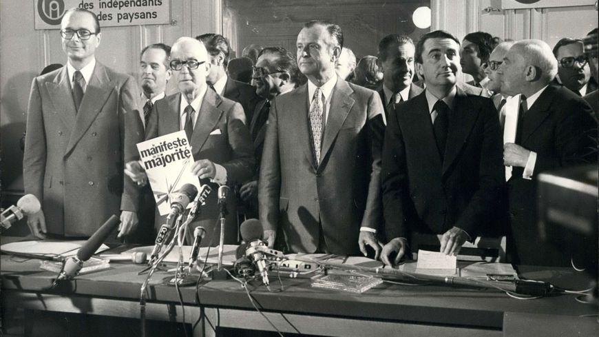 14 Septembre 1977  -  J. Chirac, J. Lecanuet, et Jean-Pierre Soisson lors d'une Conférence