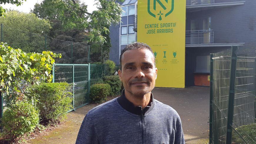 L'ancien latéral droit, Jean-Marc Chanelet, faitsai partie de la dernière équipe nantaise à avoir battu l'Olympique Lyonnais sur ses terres, le 20 décembre 1996.