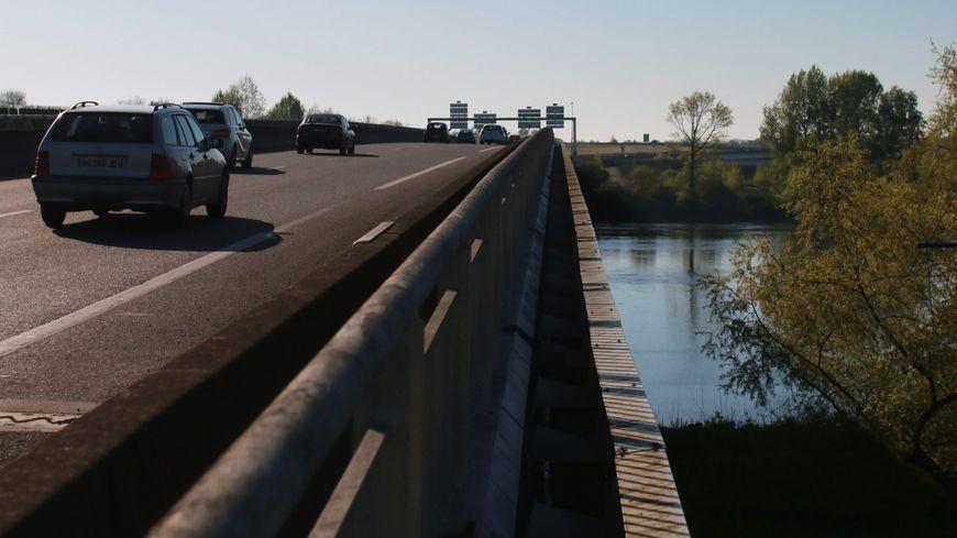Dans le sens nord-sud, le pont de Bellevue va être doublé pour passer de deux à quatre ou cinq voies (photo d'illustration)