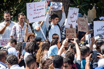 """Au Maroc, une manifestation de soutien à la journaliste Hajar Raissouni jugée pour """"avortement illégal"""" le 9 septembre 2019"""