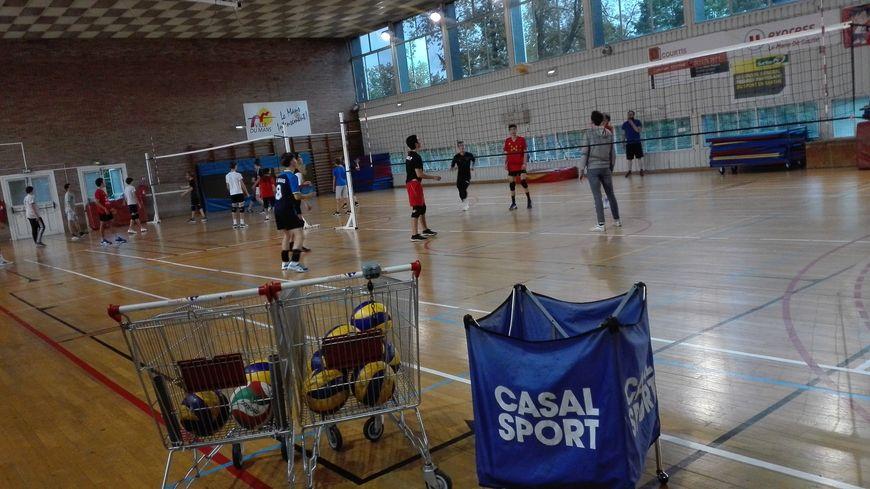 Entraînement du CSSG volley Le Mans au gymnase Pierre de Coubertin