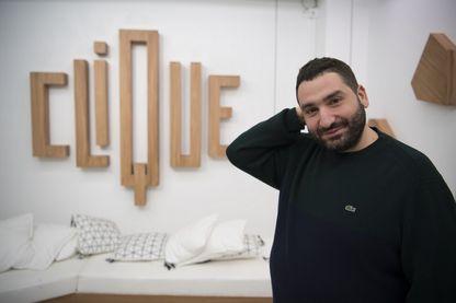"""Mouloud Achour sur le plateau de """"Clique"""""""