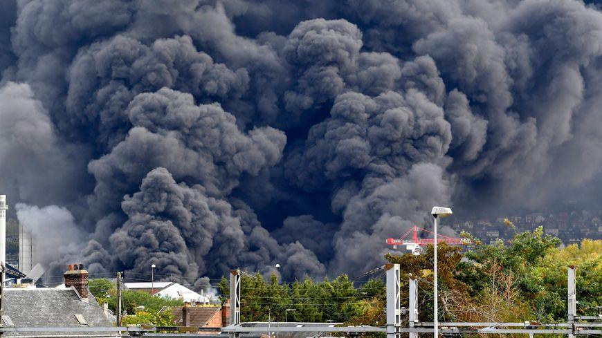 Incendie à l'usine Lubrizol à Rouen
